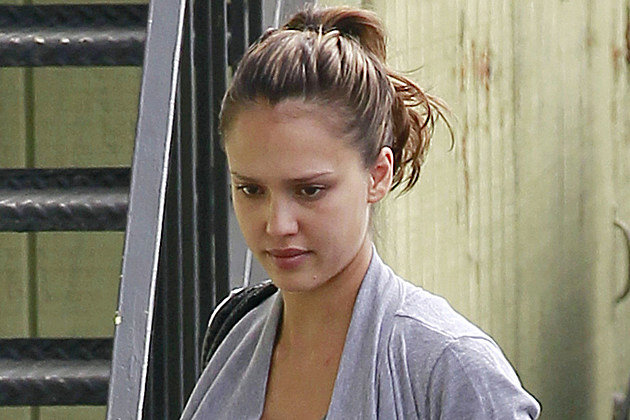 Jessica Alba Without M...