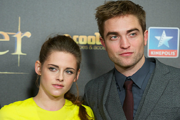Kristen Stewart and Robert Pattinson will spend Christmas apart.