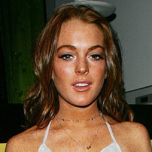Lindsay Lohan faux tan