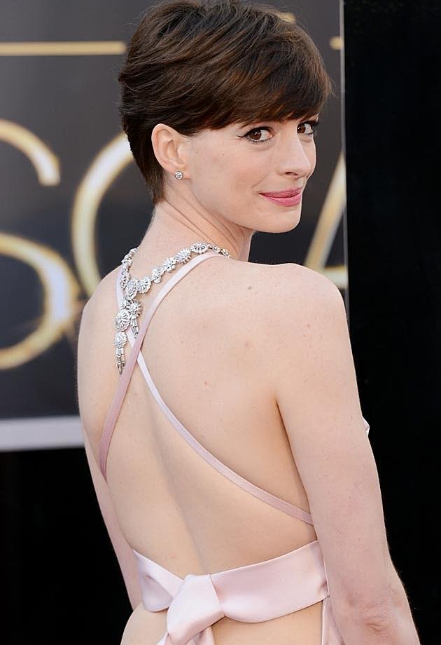 Anne Hathaway 2013 Oscars Prada