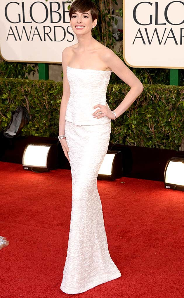 Anne Hathaway Chanel Golden Globes