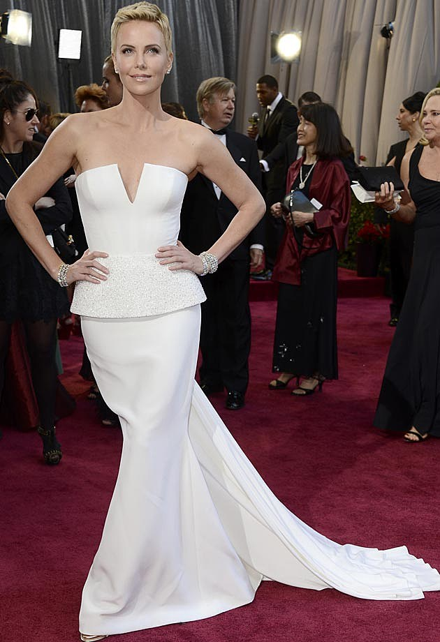Charlize Theron 2013 Oscars Dior Couture
