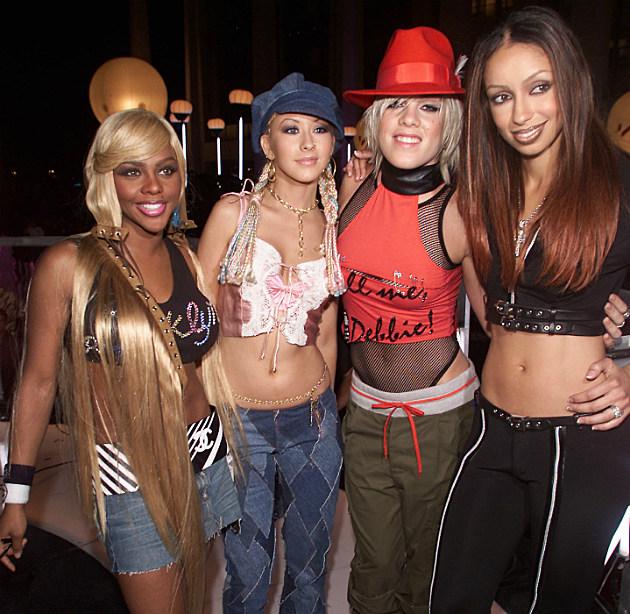 Lil' Kim in 2001