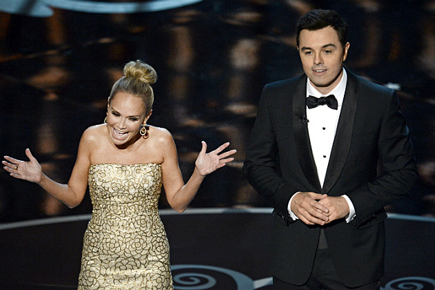 Seth MacFarlane and Kristen Chenoweth closed the Oscars with a song dedicated to all the losers.