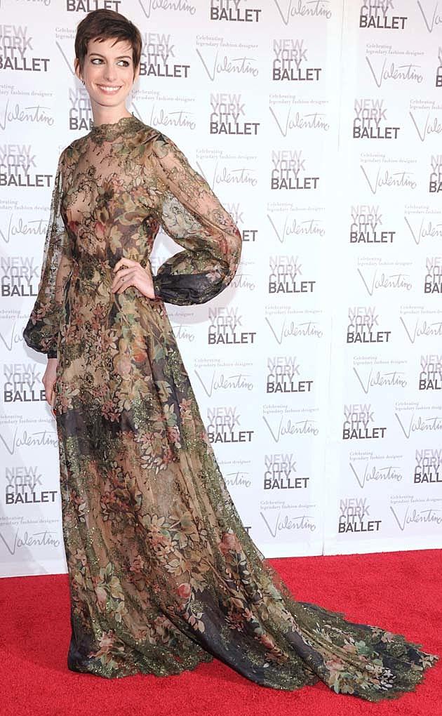 Anne Hathaway Valentino