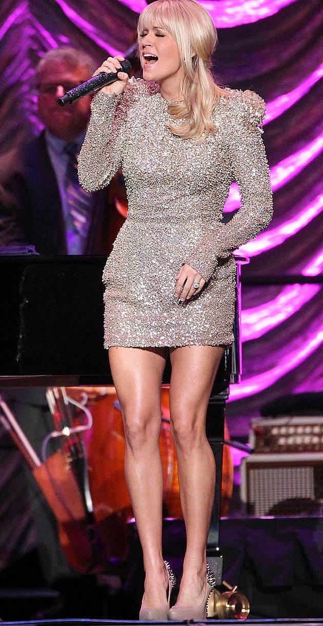 Carrie Underwood Gold Shoulders Zuhair Murad