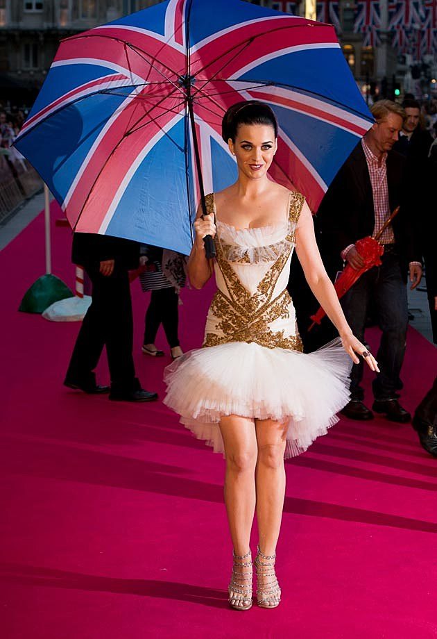 Katy Perry White Gold England Premiere