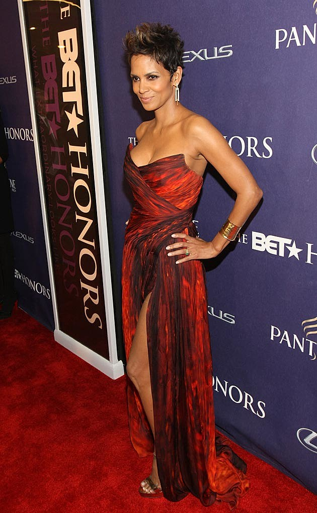 Halle Berry Monique Lhuillier