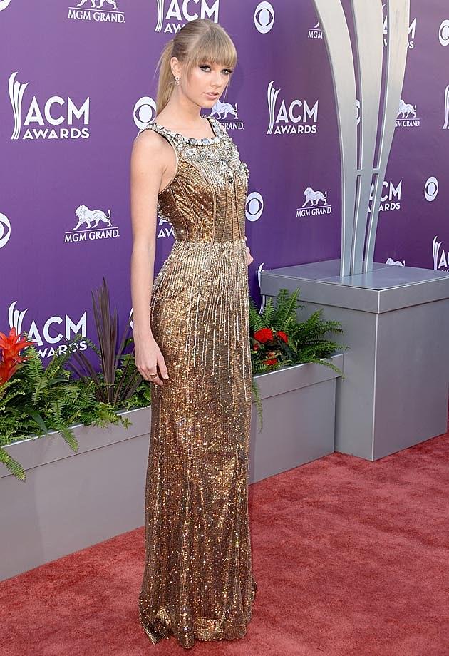 Taylor Swift Dolce & Gabbana ACMs 2013