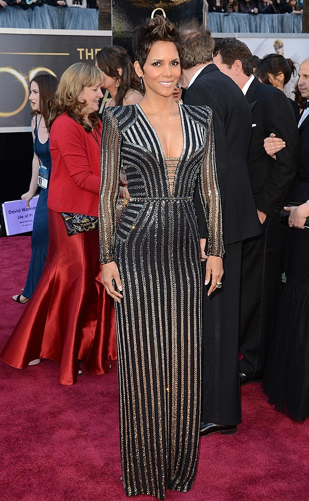 Halle Berry 2013 Oscars Versace