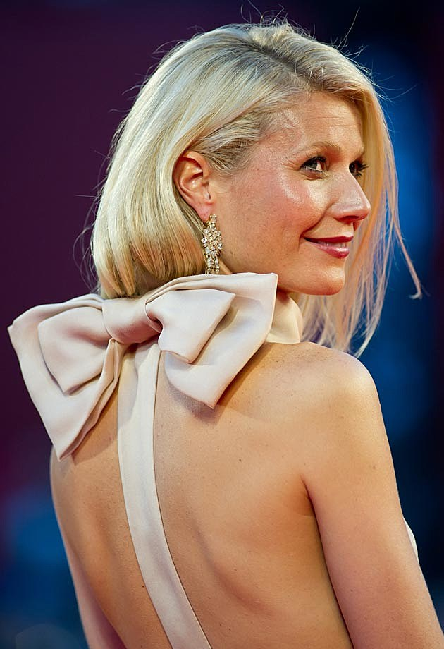 Gwyneth Paltrow Prada Bow