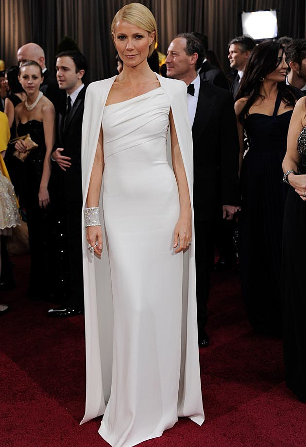 Gwyneth Paltrow Tom Ford Cape Oscars 12