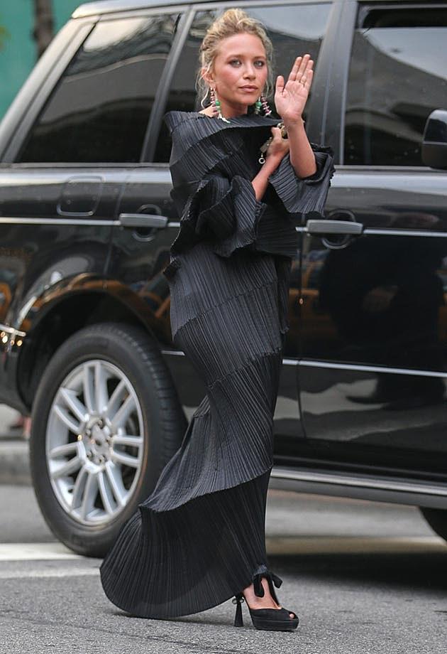 Mary-Kate Olsen Miyake CFDAs