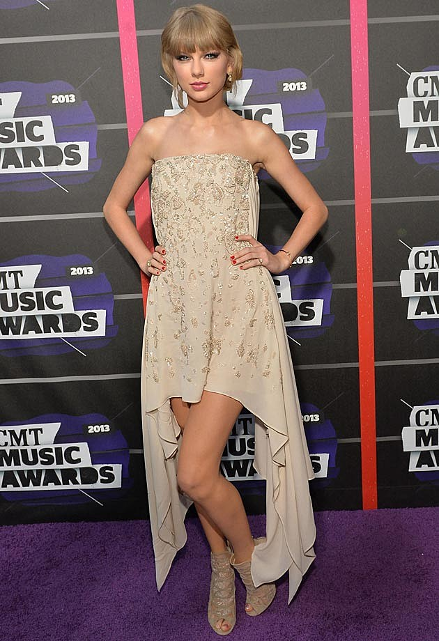 Taylor Swift Elie Saab 2013 CMT Awards