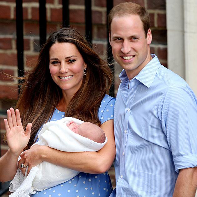 Prince William + Kate Middleton Debut Royal Baby [VIDEO