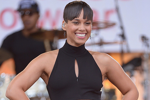 alicia-keys-bowl-cut