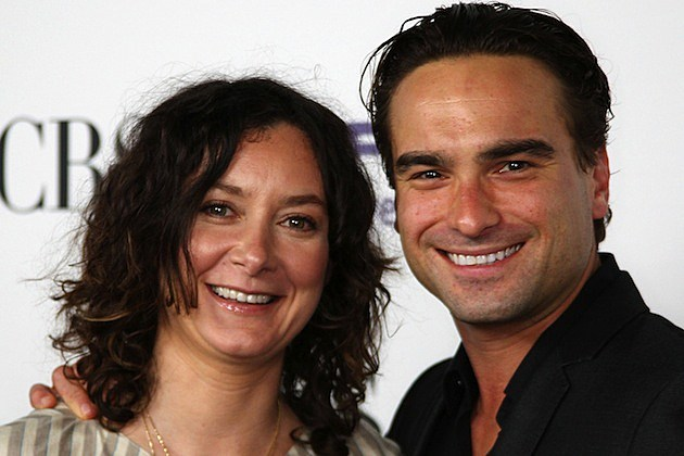 Sara Gilbert Johnny Galecki
