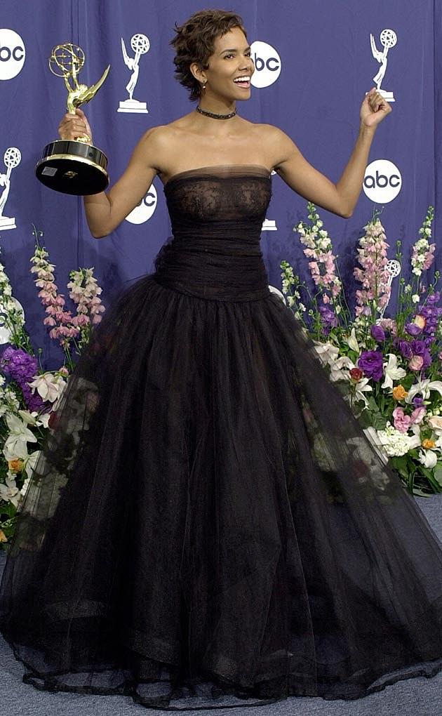 Halle Berry 2000 Emmys Valentino